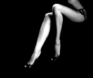 wall-1392486184_black-and-white-woman-legs